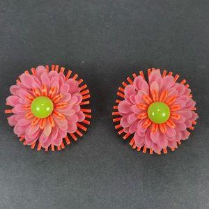 Vintage mod flower enamel plastic clip earrings